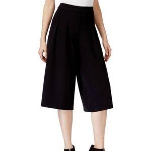 New York & Co. women's blk Gaucho pants